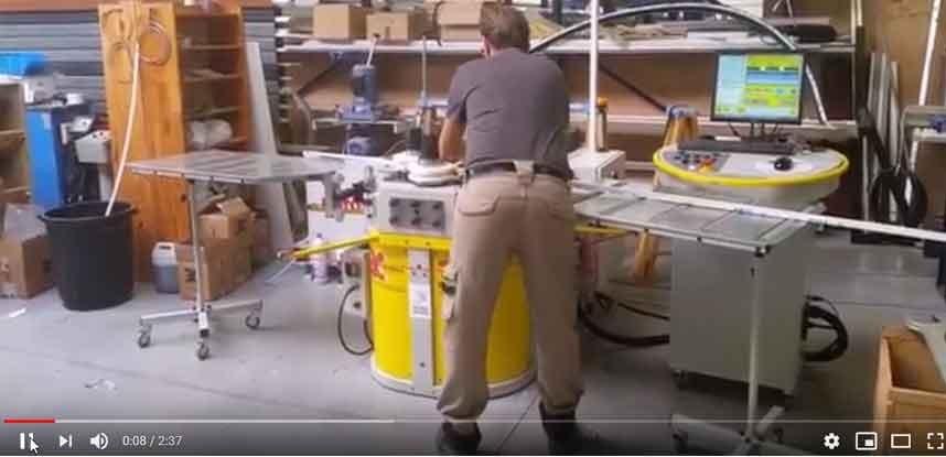 Vidéo cintrage de menuiserie aluminium